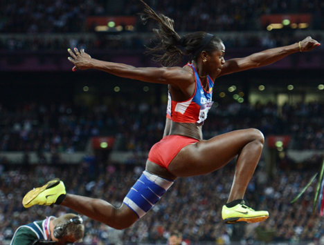 Caterine Ibargüen, campeona mundial en salto triple. Foto Bernd Thissen.
