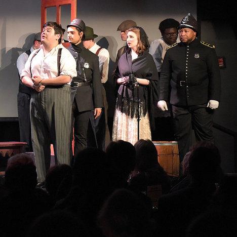Representación de La ópera de los tres centavos, de Brecht, por Rutgers Opera. Foto: Steven Pisano via photopin cc