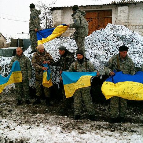 Tropas nacionalistas de extrema derecha en Ucrania. Foto: www.Azety.fr via photopin cc