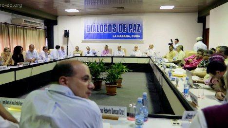20150515Comision-historica-con-negociadores-en-La-Habana-pag-3