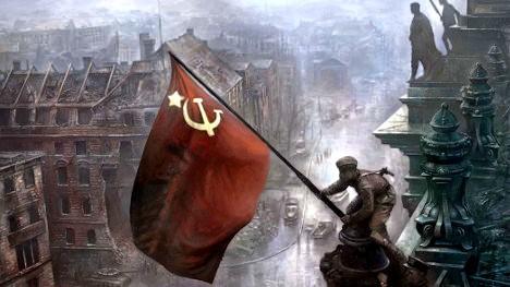 Aleksei Kovoliov, soldado del Ejército Rojo de la Unión de Repúblicas Socialistas Soviéticas, izó la bandera roja con la hoz y el martillo en la cúpula del Reichstag, parlamento alemán en Berlín.