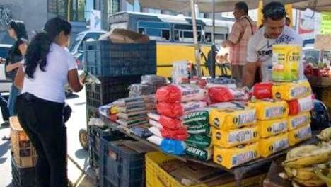 VENEZUELA--Abordar-n-la-econom-a-informal-para-aprehender--quot-mafias-quot--que-le-abastecen-rubros
