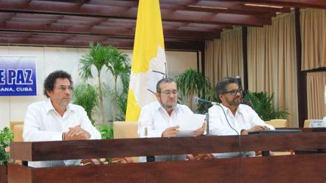 Pastor Alape, Timoléon Jiménez e Iván Márquez. Foto Isa Meza.