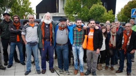 Miembros de Askapena se presentan al Juzgado | Foto: (J.Danae/Argazki Press)