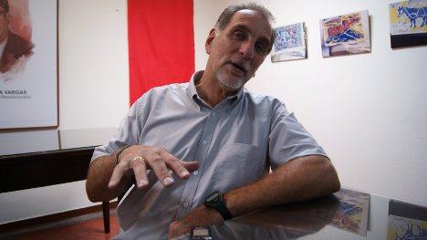 René González en entrevista con el semanario VOZ. Foto J.C.H.