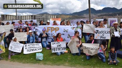 Plantón de solidaridad en el Erón, Picota. Foto Corporación Jurídica.