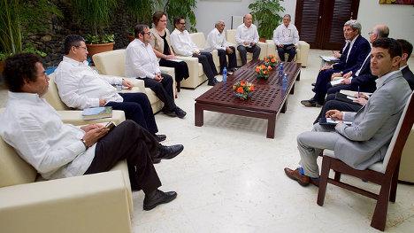 Reunión del secretario de Estado de los EEUU con los delegados de las FARC. Foto: Departamento de Estado de los EEUU via photopin (license)