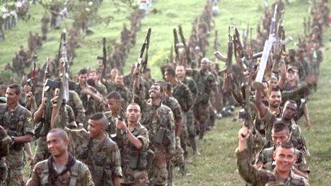 150908124511_colombia_paramilitares_2_desmovilizacion_624
