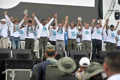 Miembros del Secretariado en la apertura de la Décima Conferencia Nacional Guerrillera de las FARC-EP en los llanos del Yarí.